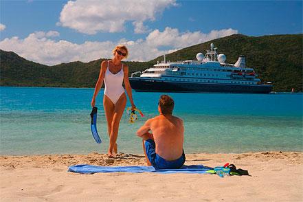Couple cruises